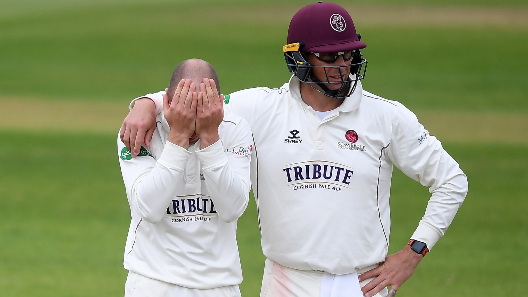County Championship: Rain ruins final day as Somerset and Surrey share draw
