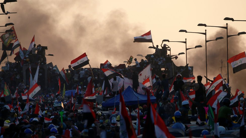 Iraqi anti-government protesters in Baghdad on 31 October 2019