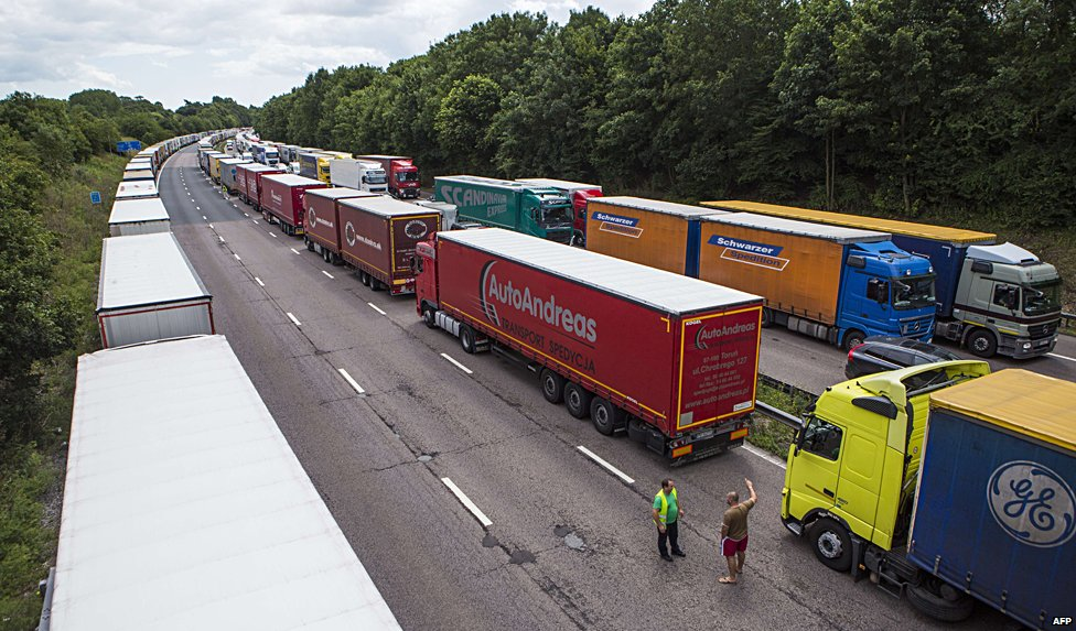 Lorries parked in Operation Stack
