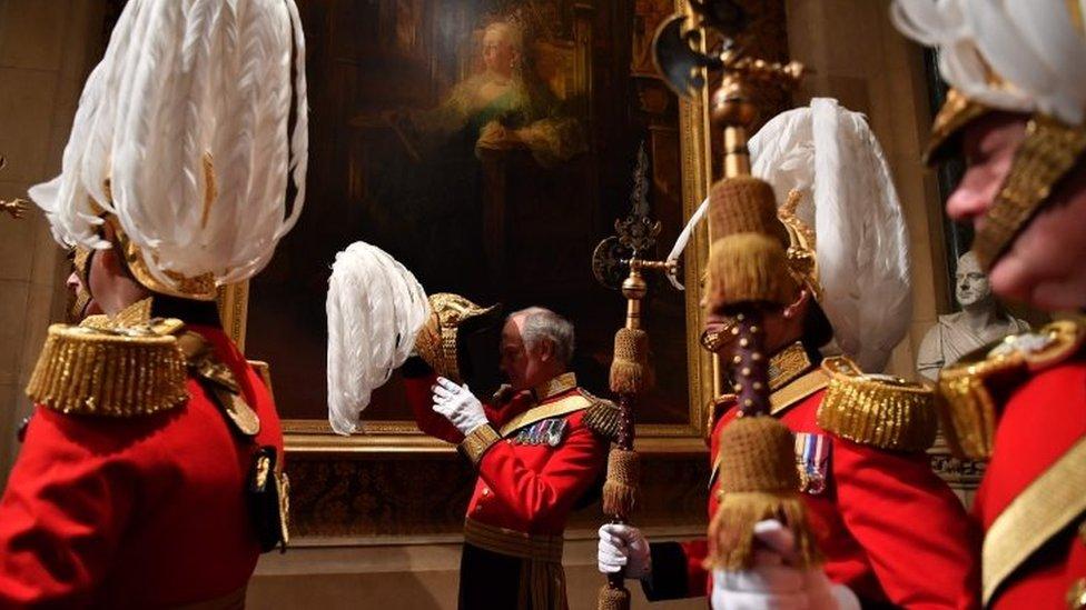 Pripreme za dolazak kraljice u parlament