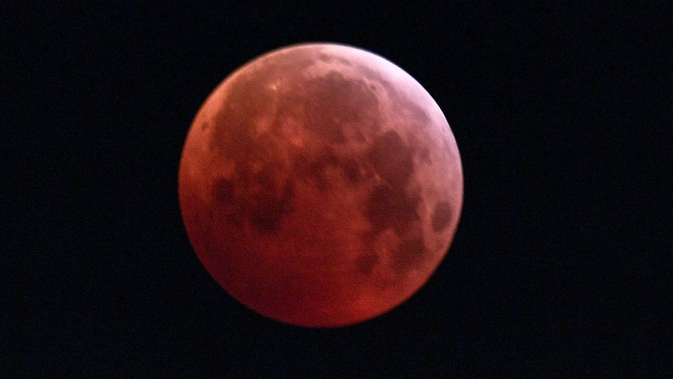 In pictures: 'Super blood wolf moon'
