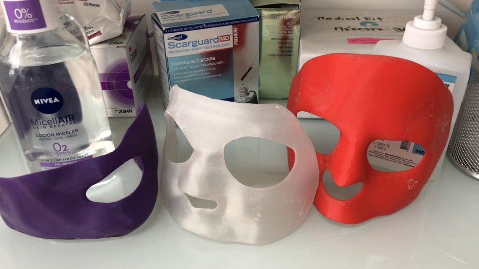 Máscaras para recuperar la piel de su cara