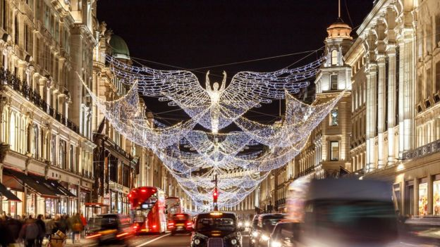 أضواء الكريسماس وسط العاصمة البريطانية لندن