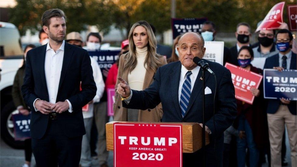 Giuliani en una rueda de prensa