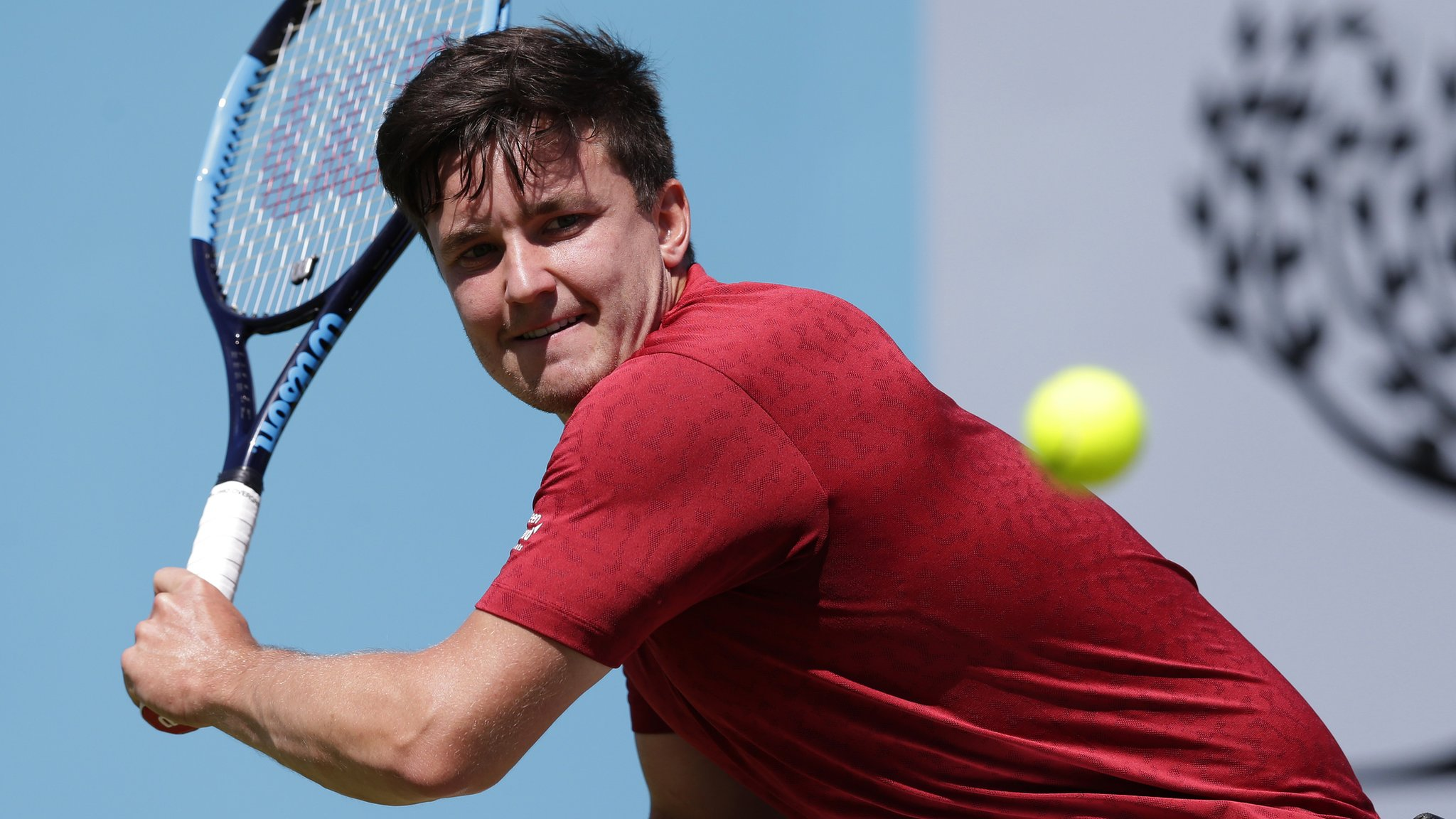 Queen's Club: Gordon Reid reaches last four at Fever-Tree Championships