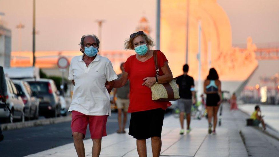 Portekiz'de koronavirüs önlemleri.