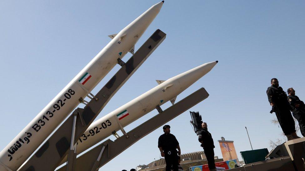 إيران تقول إن صواريخا لا تستطيع حمل رؤوس نووية