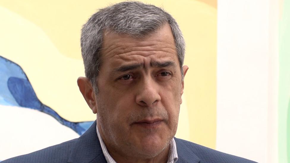 Dr. José Moya fala em entrevista coletiva em Havana
