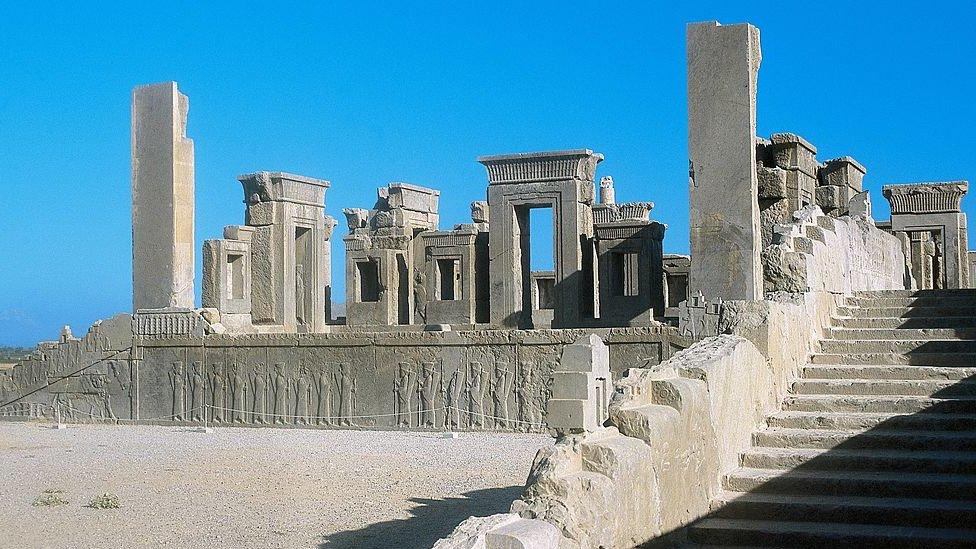 Restos arquitectónicos de la ciudad de Persépolis.