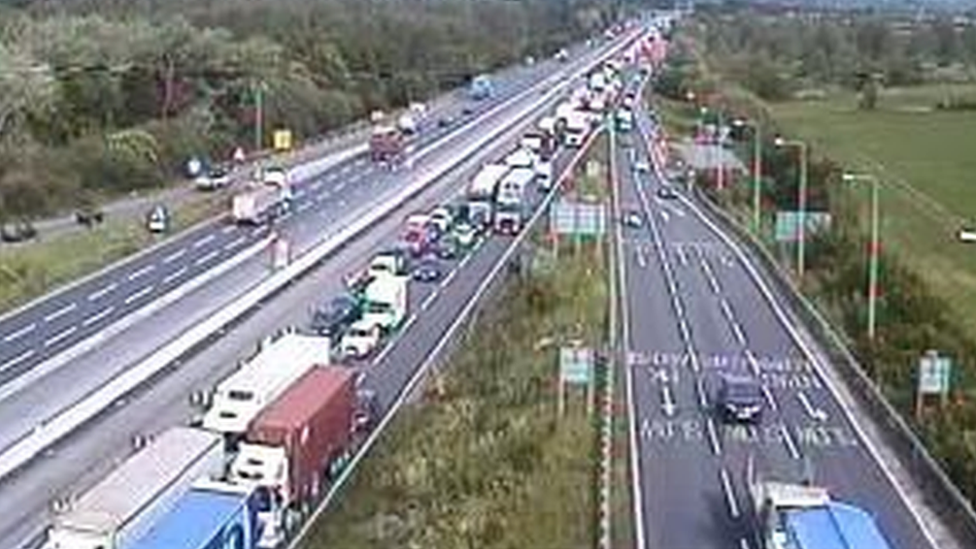 Five hurt in M1 'multiple-vehicle' crash near Milton Keynes