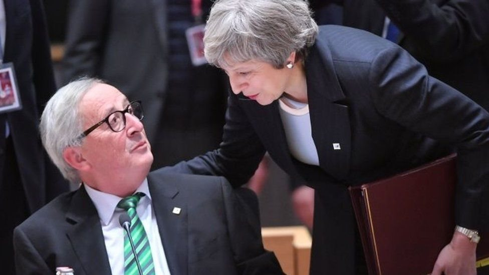 Jean-Claude Juncker y Theresa May