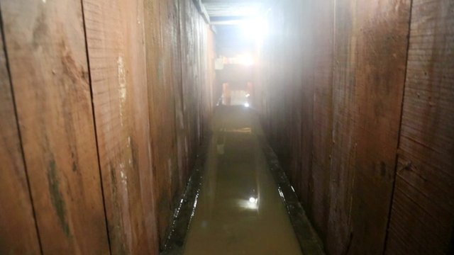 """The tunnel that """"El Chapo"""" used to escape"""