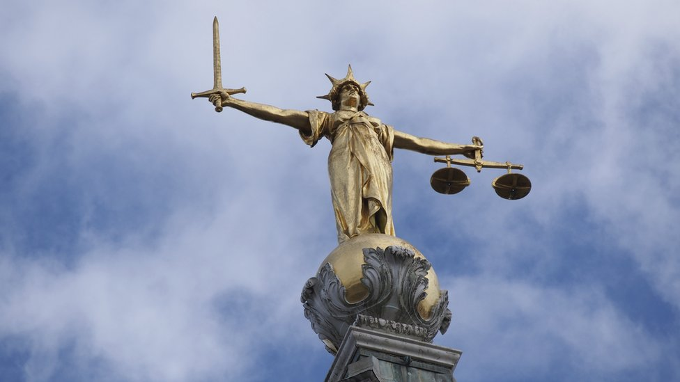 Statue of Justice at the Old Bailey