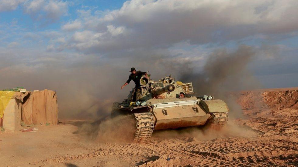 دبابة في الصحراء