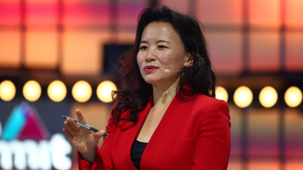 Cheng Lei: Australian anchor on Chinese TV detained in China thumbnail