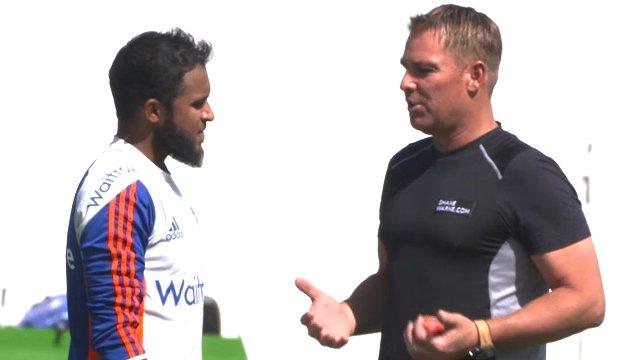 Pakistan-England: Adil Rashid (l) and Shane Warne talk leg spin