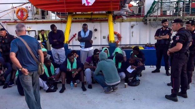 Sea Watch gemisindeki göçmenler