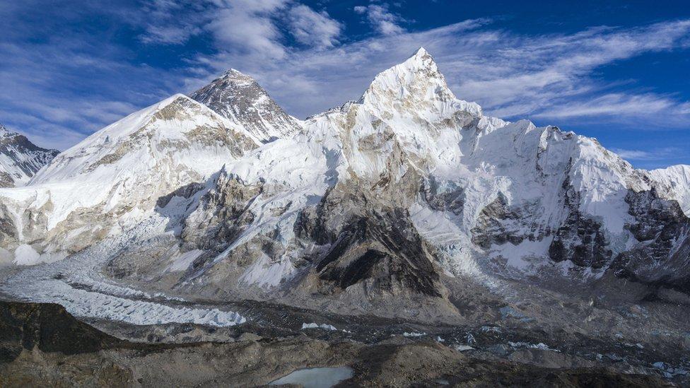 Maunt Everest i Kumbu glečer