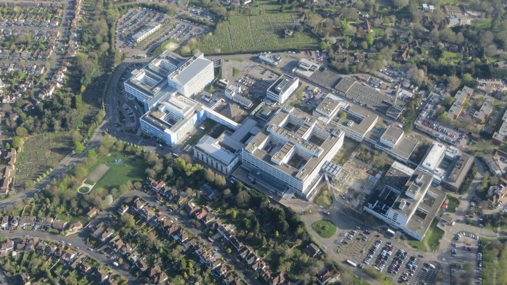 Oxford hospitals NHS trust suspended midwife services