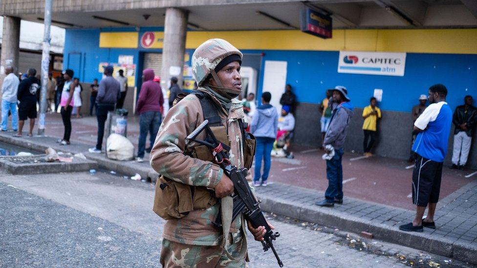 الاقفال في جنوب افريقيا