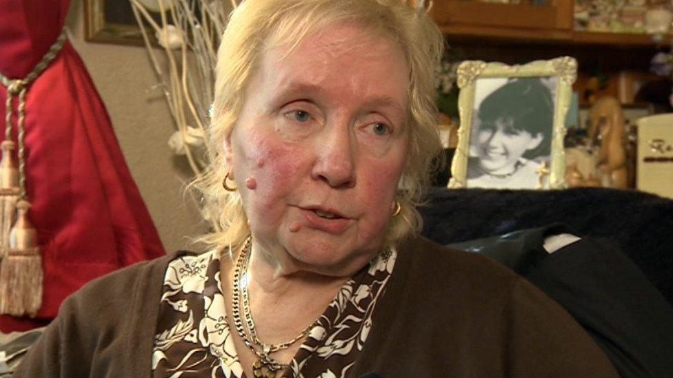 Kath Eastwood, Lynda's mother