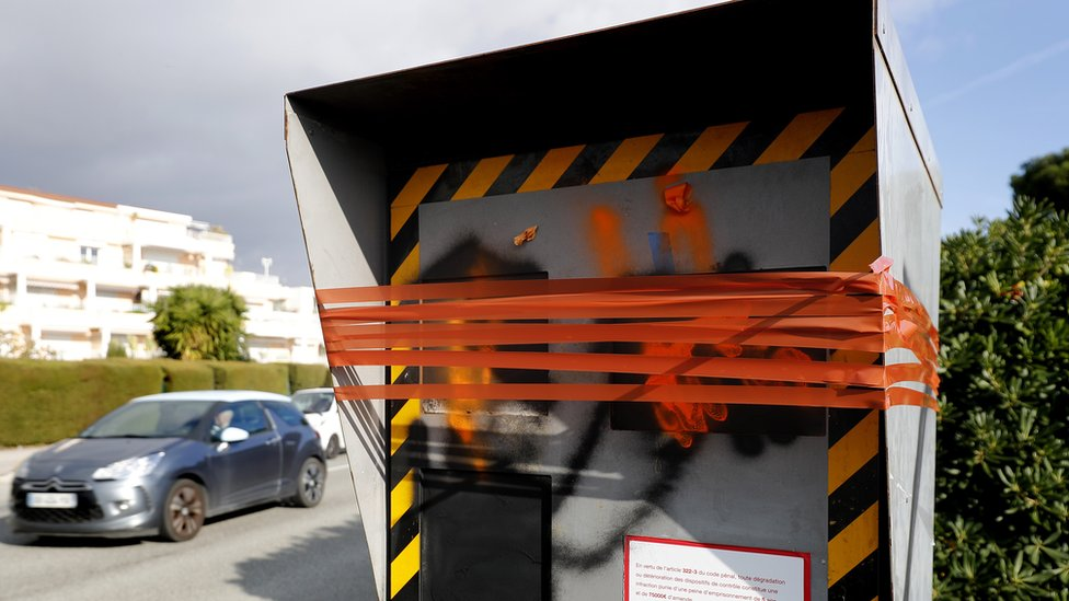 A speed camera was damaged to protest the limitation to 80 kilometres per hour on secondary roads in Nice, France, 07 December 2018.