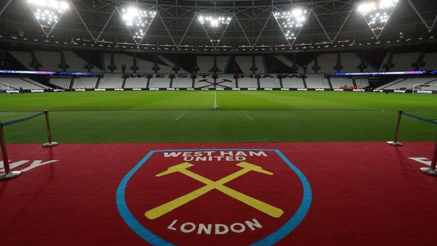 West Ham would pay £380,000 in pitch colour row