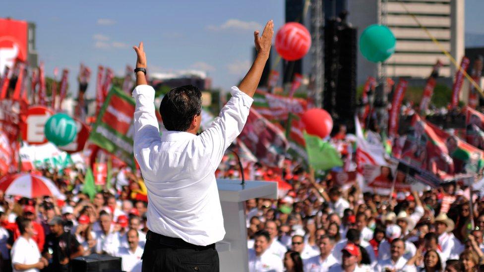 Enrique Peña Nieto en un acto de campaña