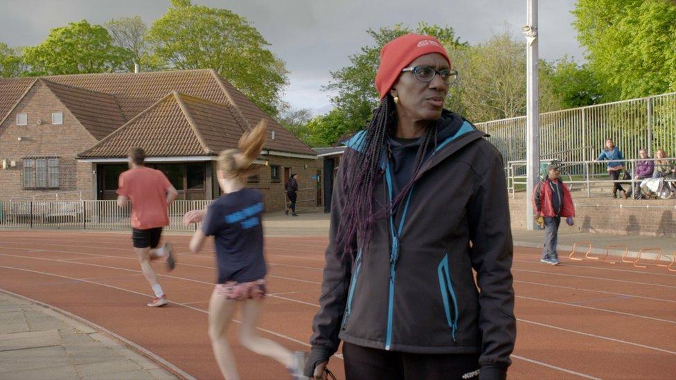 La entrenadora de triatlón Audrey Livingstone