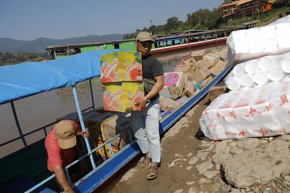 在老撾會曬港口進行泰國老撾兩國的貿易。