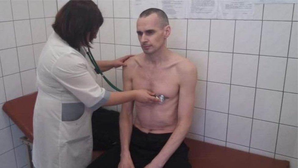 У Росії заявили, що Олег Сенцов припинив голодування