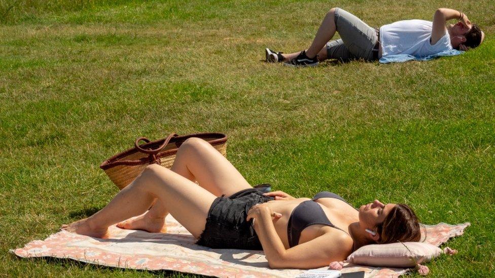 sunčanje u parku