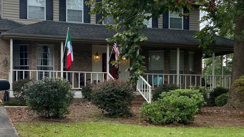 A house in Wilmington with a Mexican flag