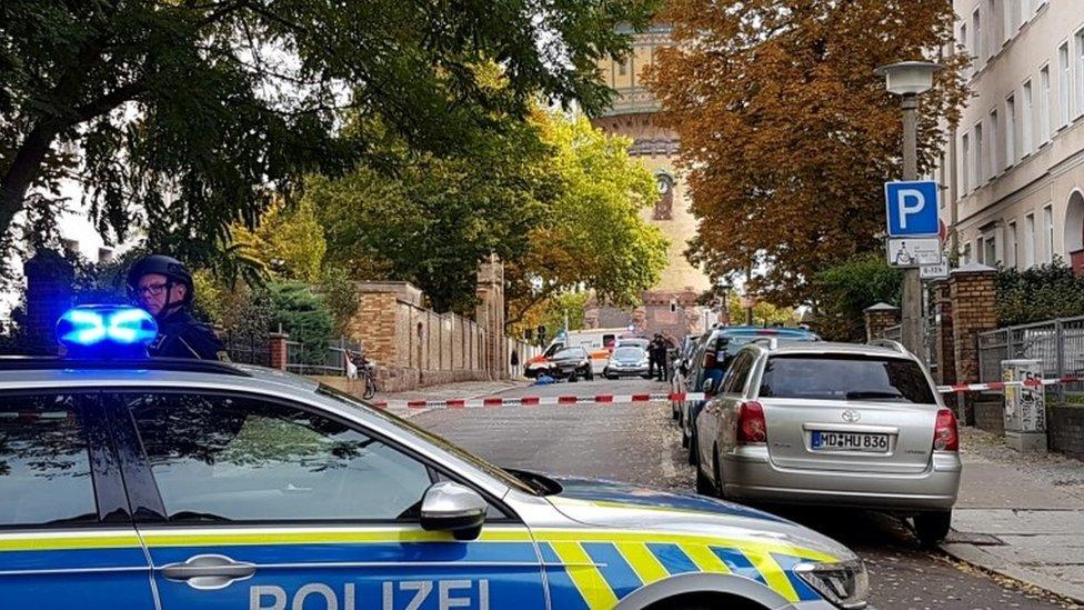 Стрілянина біля синагоги та кебабної в Німеччині: є загиблі