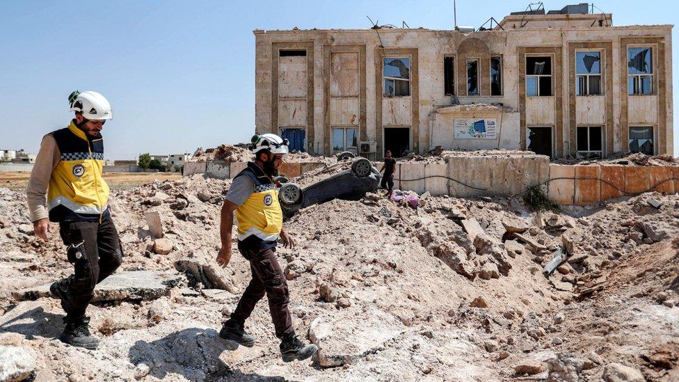 Beyaz Baretliler'in en önemli projelerinin başında Suriye'deki yardım faaliyetleri geliyor.