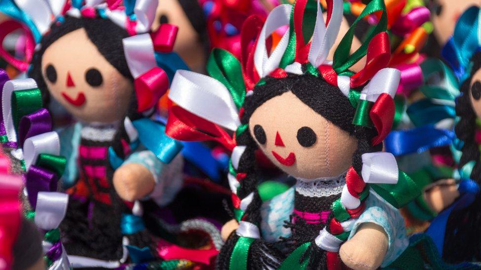 Muñecas otomíes de trapo
