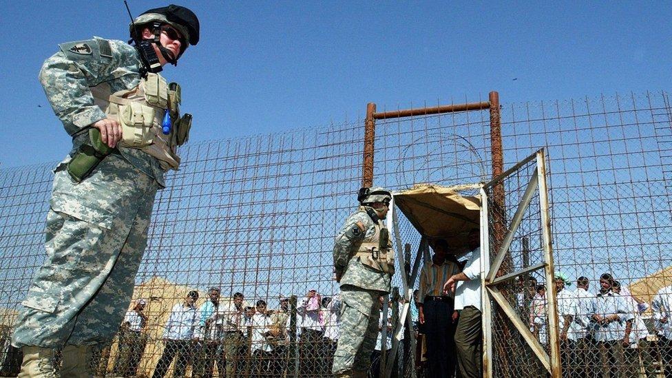 مساجين عراقيون (أرشيف)