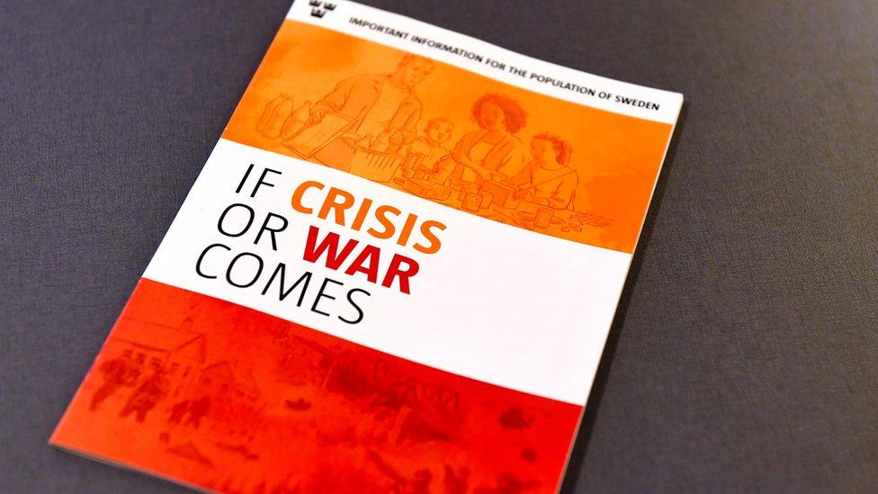 """Panfleto """"Si llega la crisis o la guerra"""", publicado en inglés"""