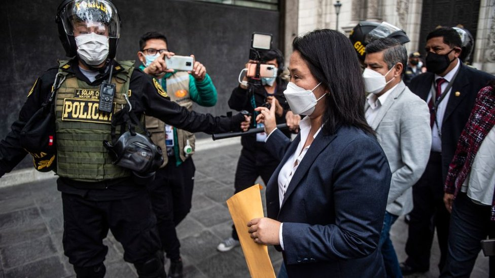 KEiko Fujimori a la llegada a un tribunal