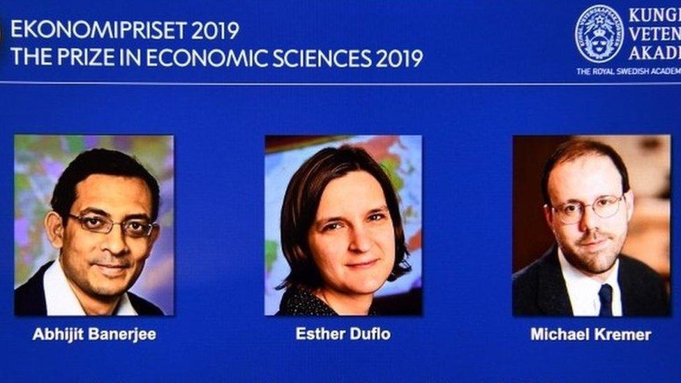 Нобелевская премия по экономике присуждена за новый подход к борьбе с бедностью