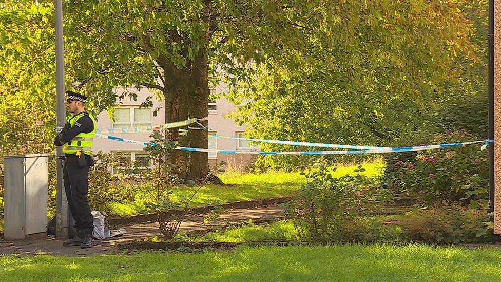 Body of man, 39, found in Glasgow street