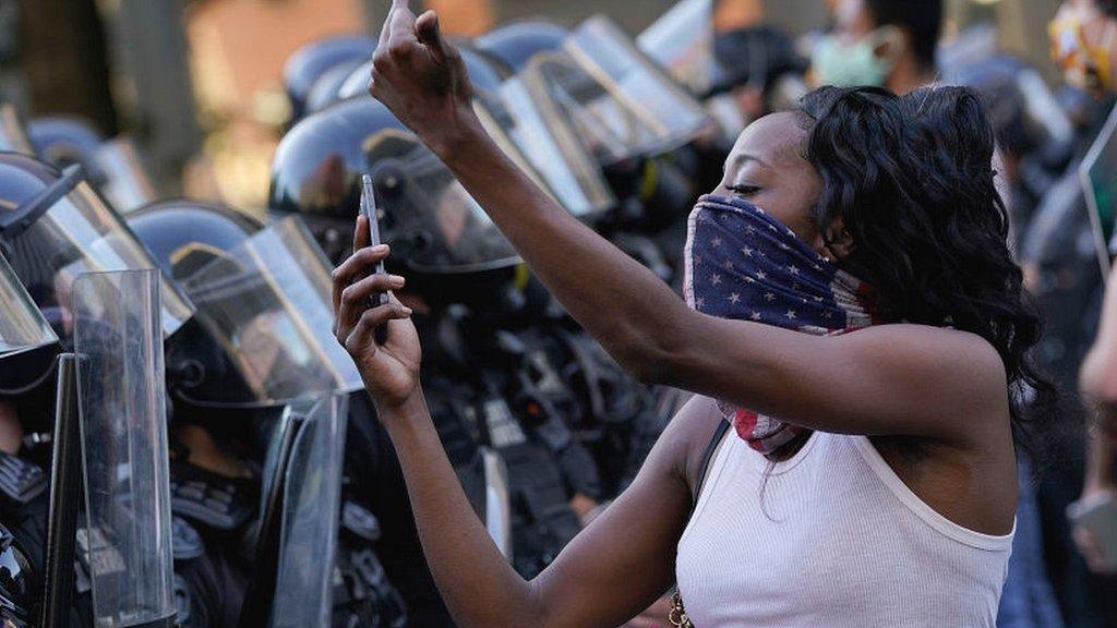 Смерть Джорджа Флойда. Три факта, которые объясняют, чем недовольны протестующие в США