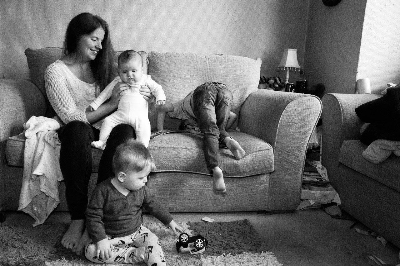 Laura y sus hijos Jonathan, Matthew y Matilda