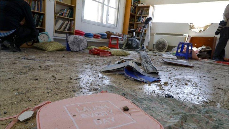 نتائج القصف في قرية إسرائيلية