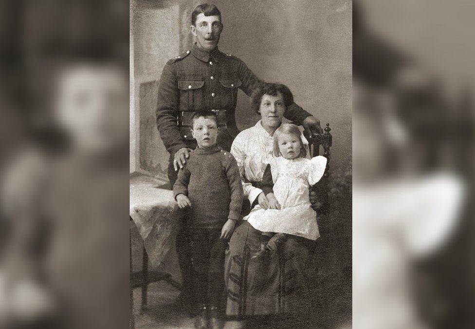 Percy James Parr, his wife Jesse. daughter Grace and son Tom