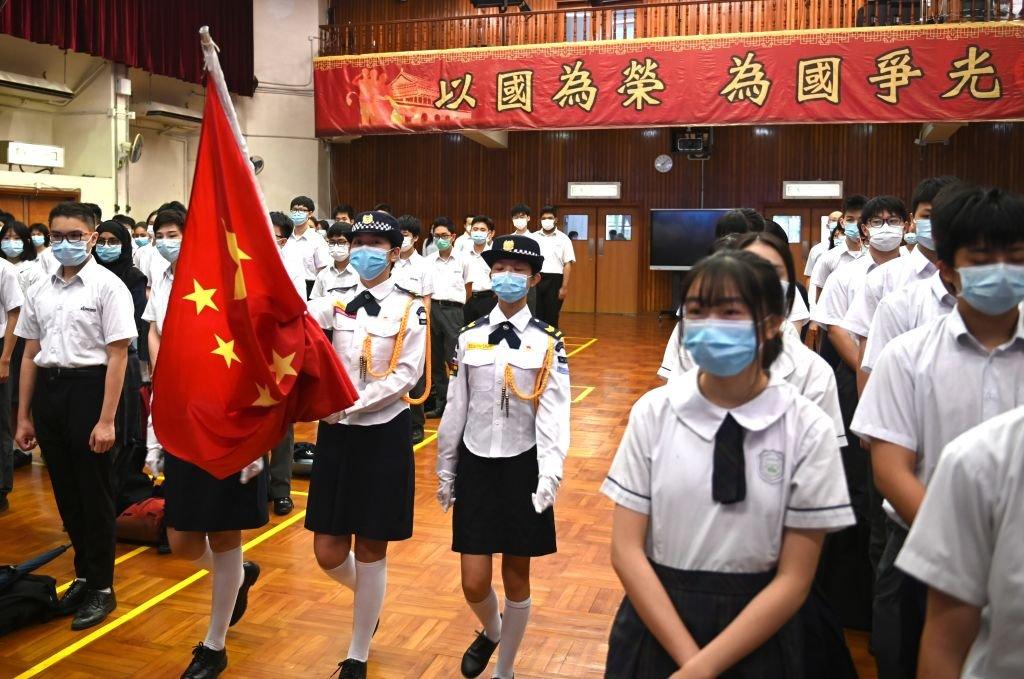 香港一所中學周四舉行升旗儀式。