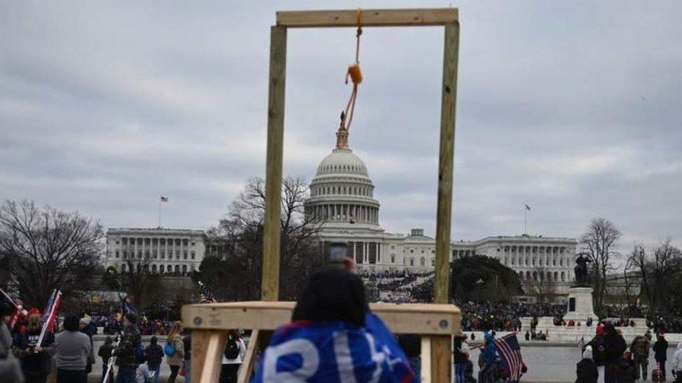 متظاهرون أمام الكابيتول