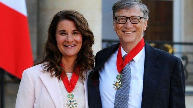比爾和梅琳達被授予法國榮譽的騎士團勳章