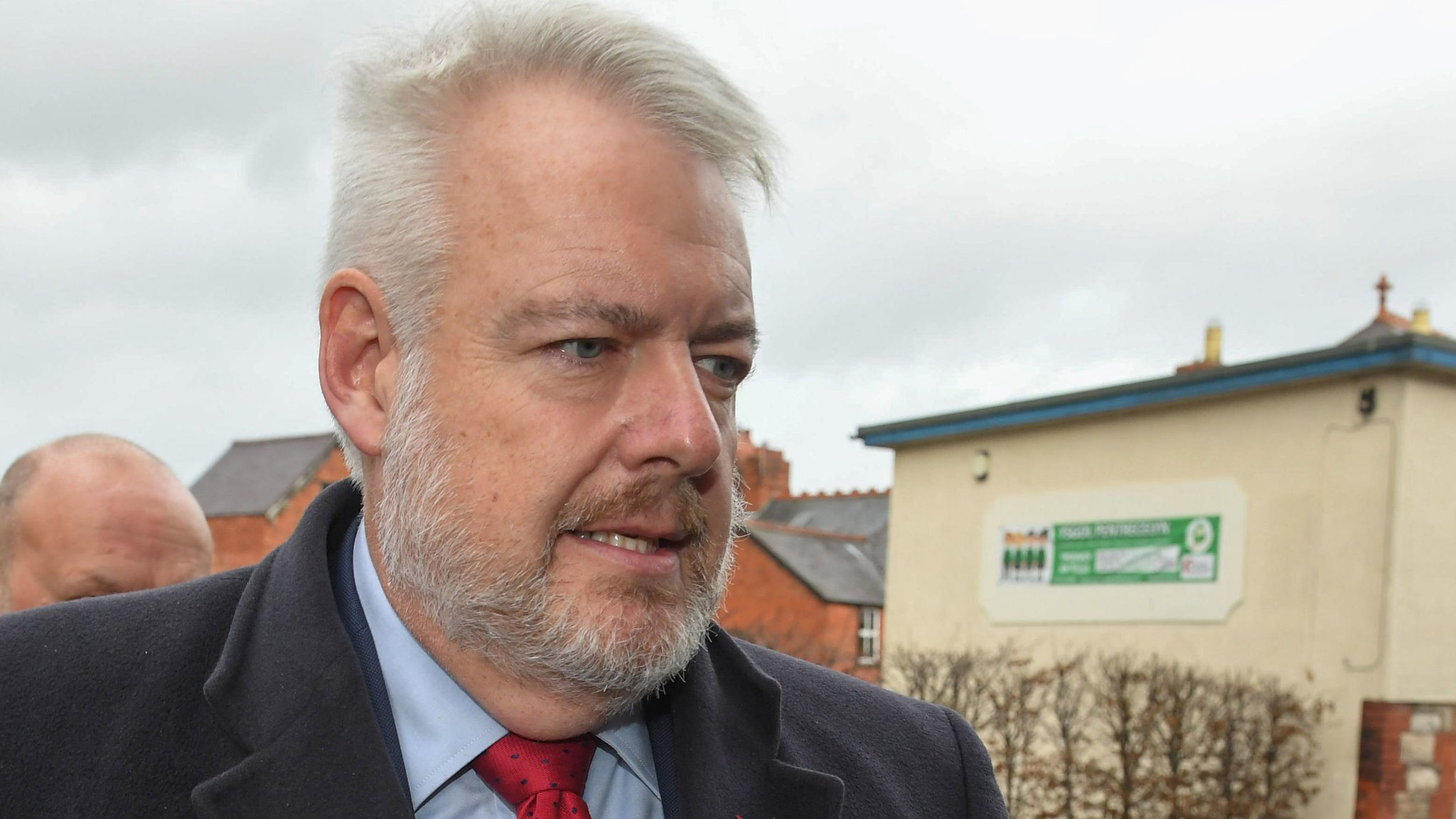 Carwyn Jones considered quitting over Carl Sargeant death