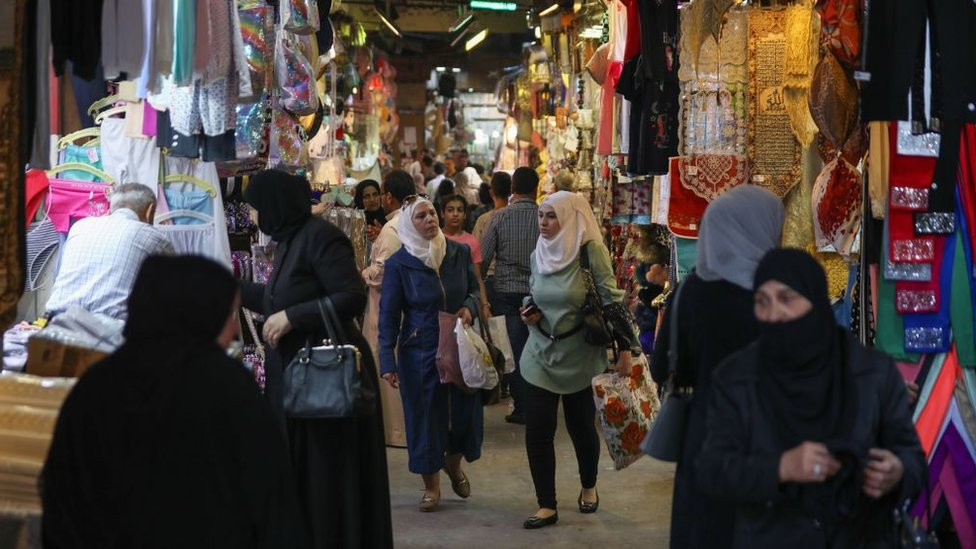 سوق في دمشق